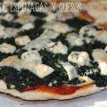 Pizza de espinacas y quesos
