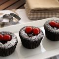 Cupcakes de chocolate negro y cerezas al licor[...]