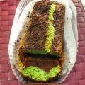 BROWNIE CON QUESO Y AGUACATE